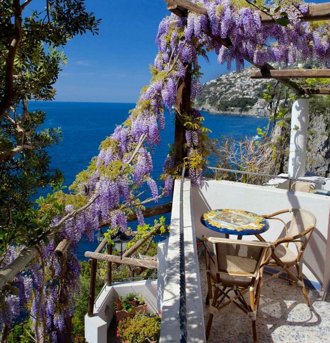 Costiera Amalfitana in barca e in bici, un paradiso da scoprire.