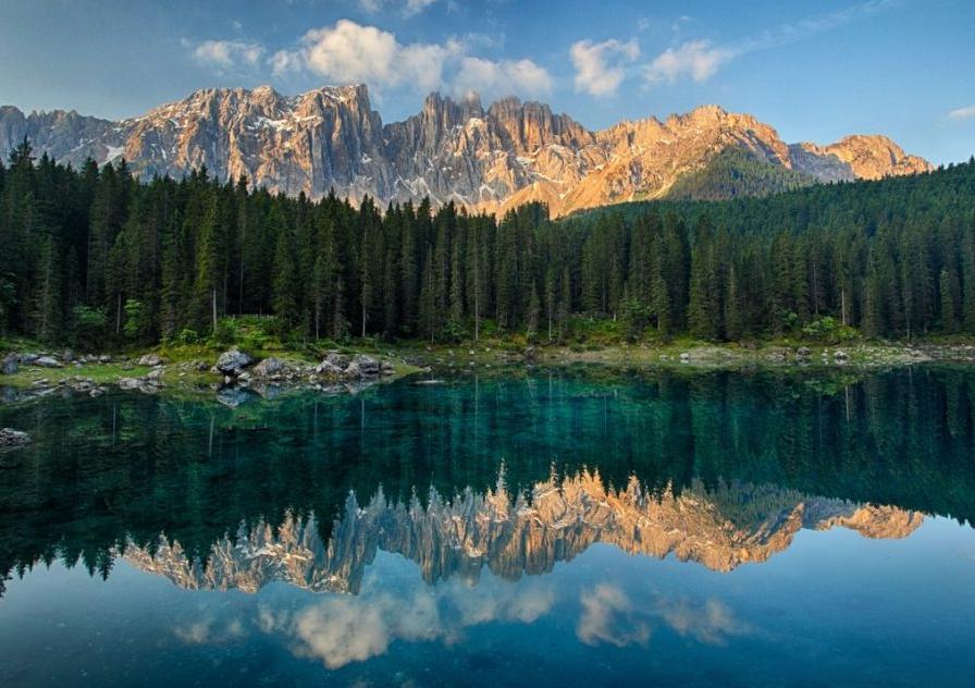 I più bei laghi delle Dolomiti da vedere in una vacanza in montagna.
