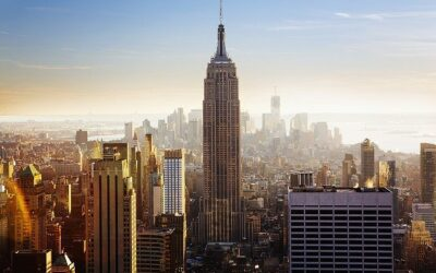 L'Empire State Building ha compiuto 90 anni.